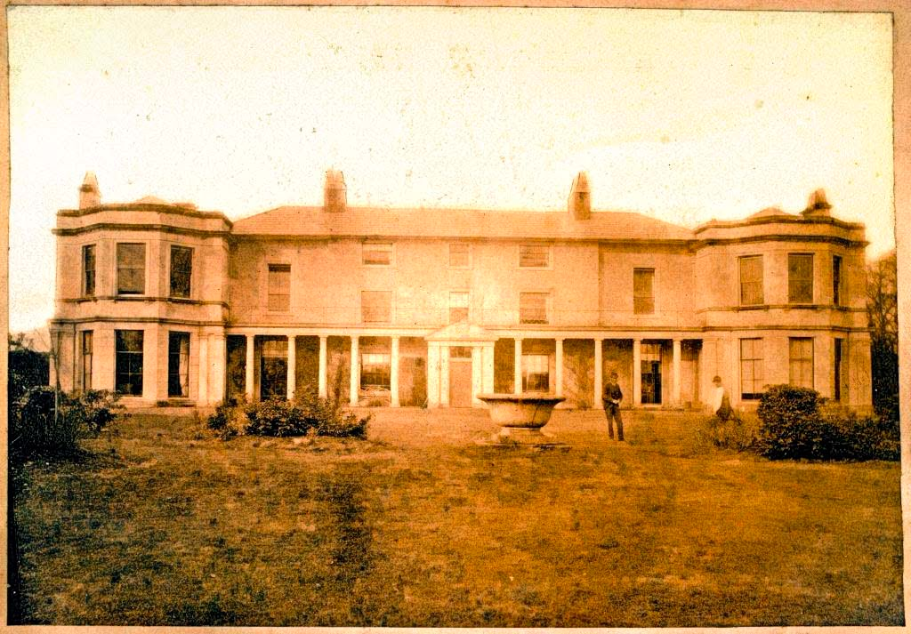 eyton-hall -around-1900