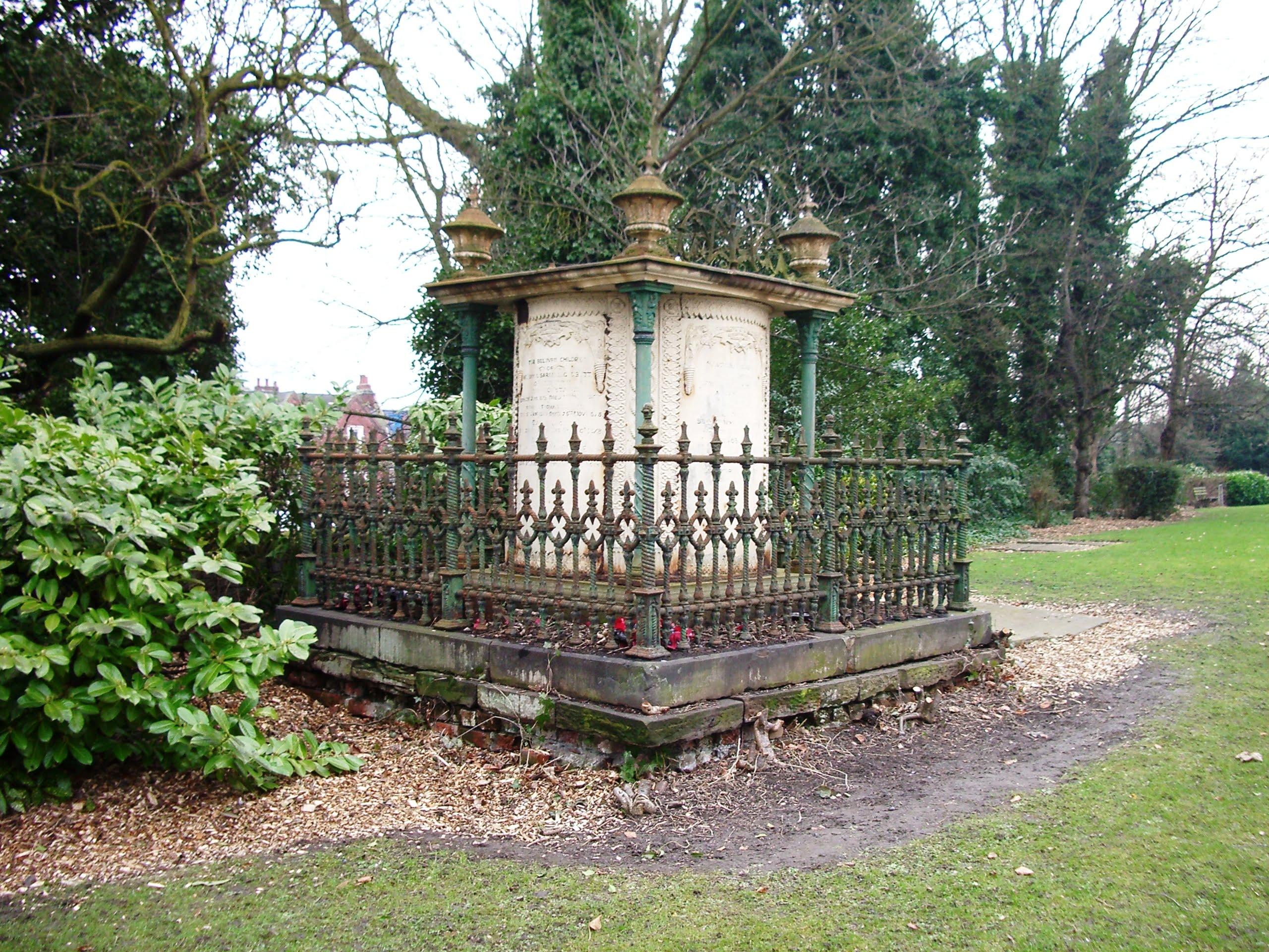 The-Corbett-family-memorial-in-All-Saints-churchyard